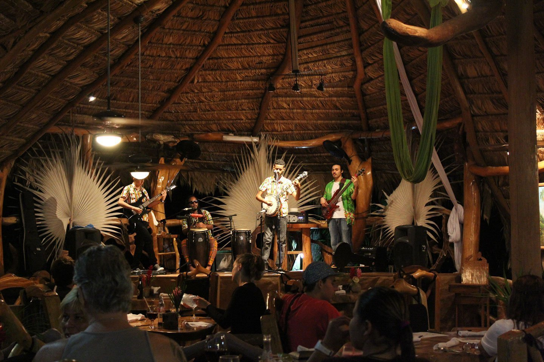 La Costa de Papito Restaurant